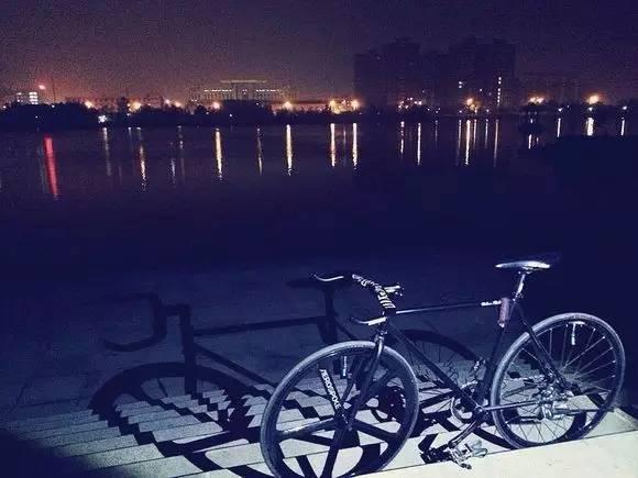 夜间骑车有哪些注意事项